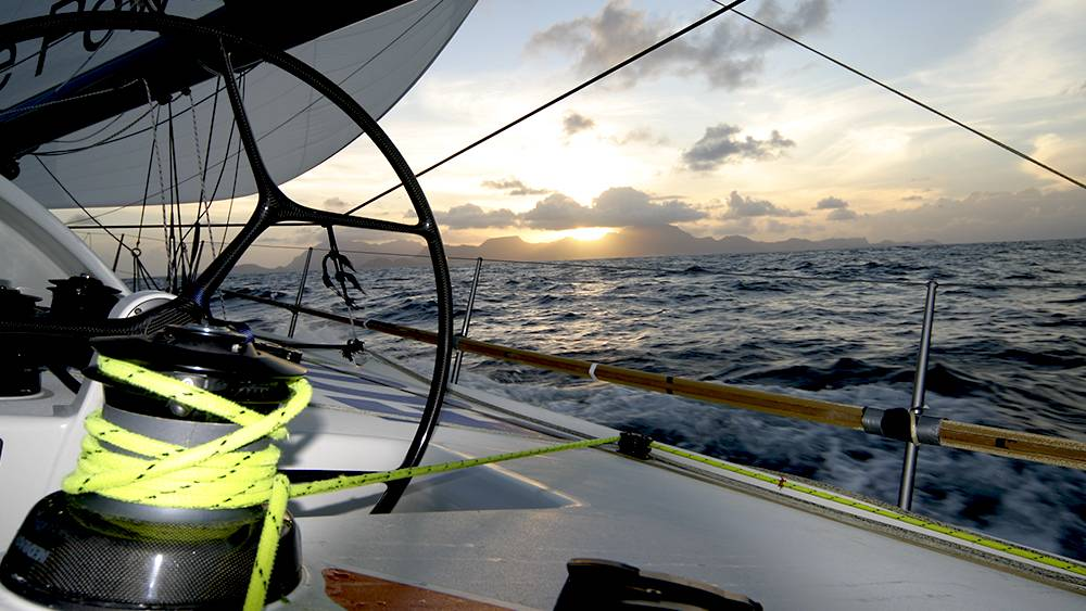 Vendee Globe - heading south pasting the Cape Verdes